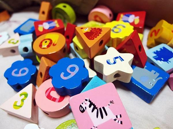 木製玩具 ─ 串珠