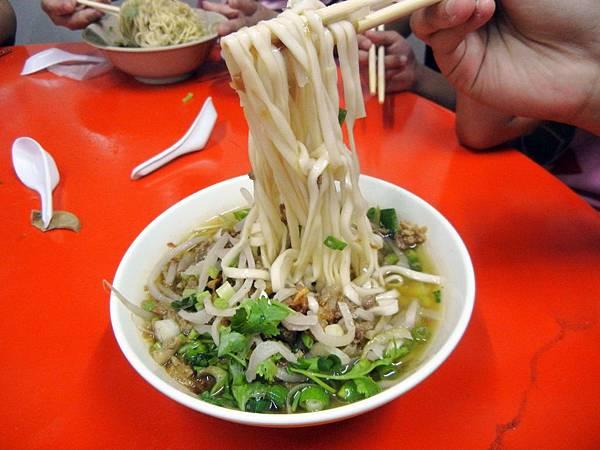 內埔 ─ 四代薪傳榕樹下麵店