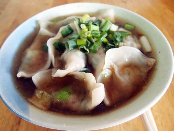 四春 ─ 水餃王麵店