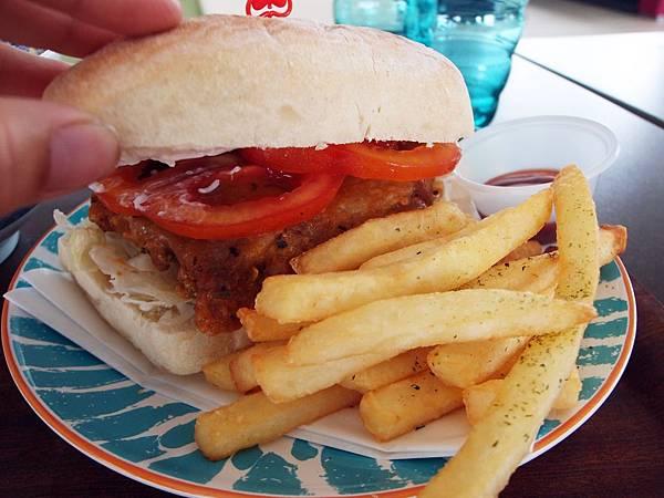 墾丁 ─ 潘達可可漢堡簡餐館