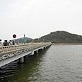 往野狸島的橋,我們用走的過去