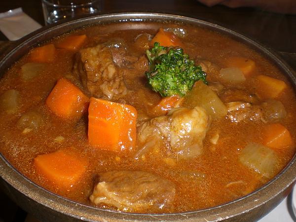 小麥廚房─ 紅酒牛肉