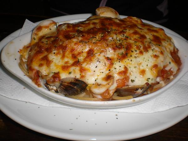 普羅焗烤─焗烤肉醬海鮮義大利麵