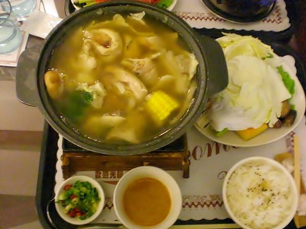 芙蘿拉─苦瓜嫩雞鍋