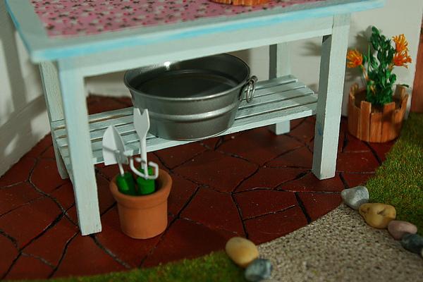 咖啡色的地板….JPG