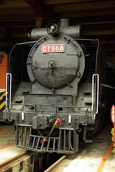 懷舊火車頭.JPG