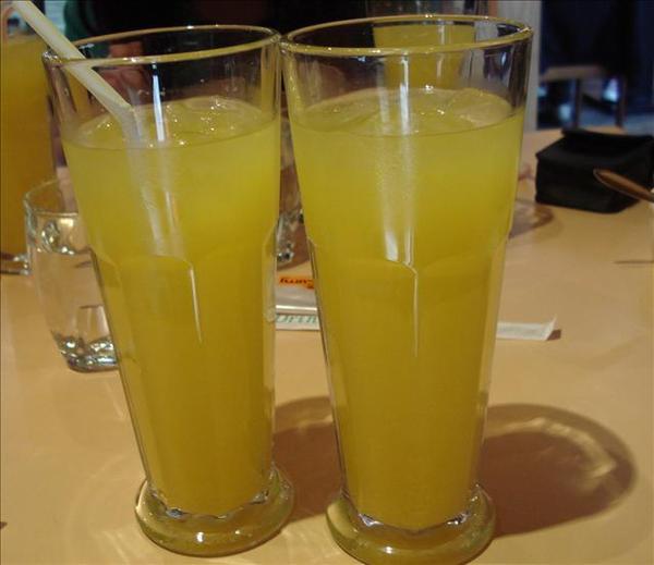 """很好喝的""""現榨""""柳橙汁"""