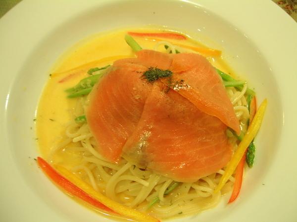 君的晚餐─彩蔬腌壎鮭魚麵_000