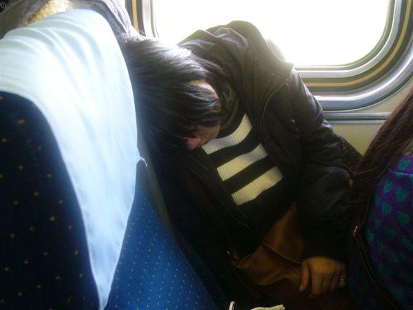 又是張被偷拍睡著的照片