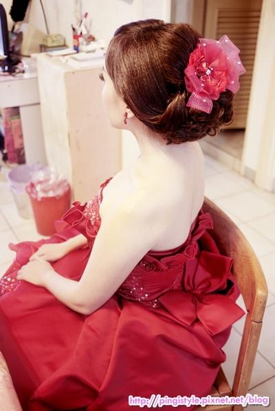 新秘pingiP1240364婚紗造型.JPG