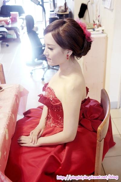 新秘pingiP1240365婚紗造型.JPG