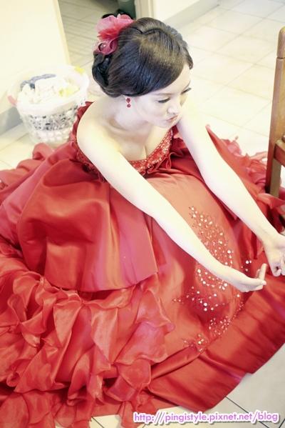 新秘pingiP1240378婚紗造型.JPG