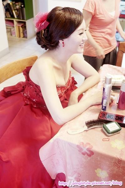 新秘pingiP1240371婚紗造型.JPG