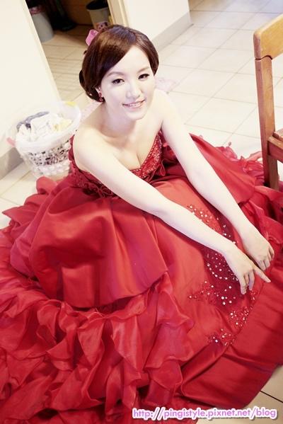 新秘pingiP1240380婚紗造型.JPG