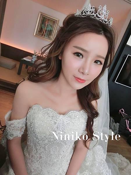 唯美浪漫層次捲髮-新娘白紗造型推薦1_副本.jpg
