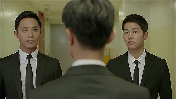 Descendants_of_the_Sun-13.mkv_20160407_000207.447.jpg