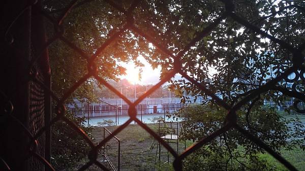 小小的心靈中之總是期待那麼一點點的光芒,希望被看到希望被注意.jpg
