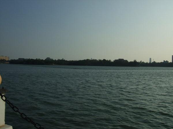 邊騎車邊拍澄清湖