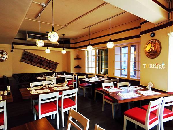 餐廳空間擺設 (3).jpg
