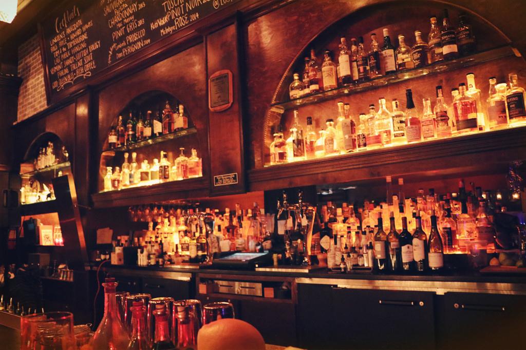 酒吧示意圖