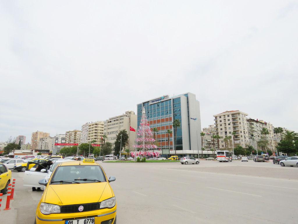 阿達納火車站前計程車