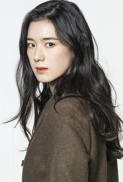 琴娜拉/鄭恩彩 飾.png