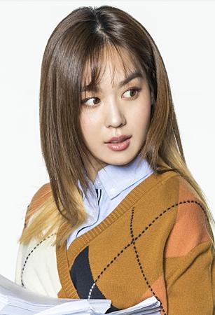 姜英銀/金希珍 飾.png