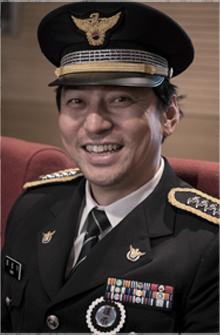 崔勝奇/金亨範 飾.png