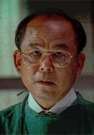 朴所長/金基天 飾.png