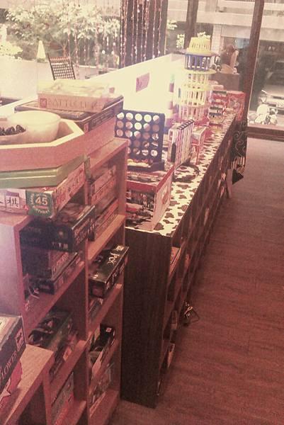 台中東港7巷遊戲餐廳