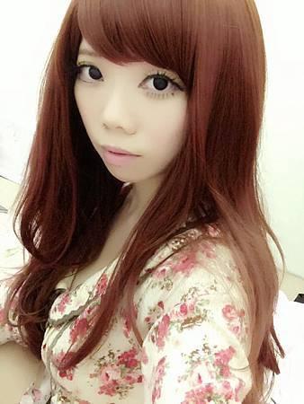 葡萄紅長髮