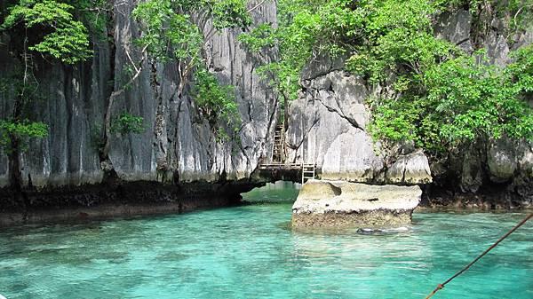 11-twin-lagoon