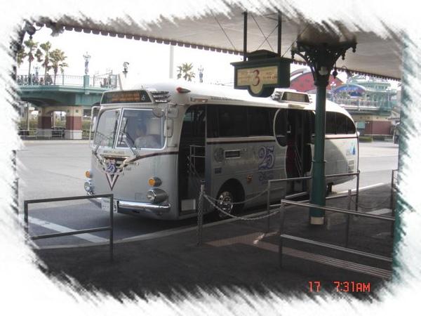 迪士尼公車.jpg