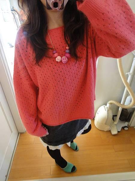 小桃鴨,小桃紅毛衣