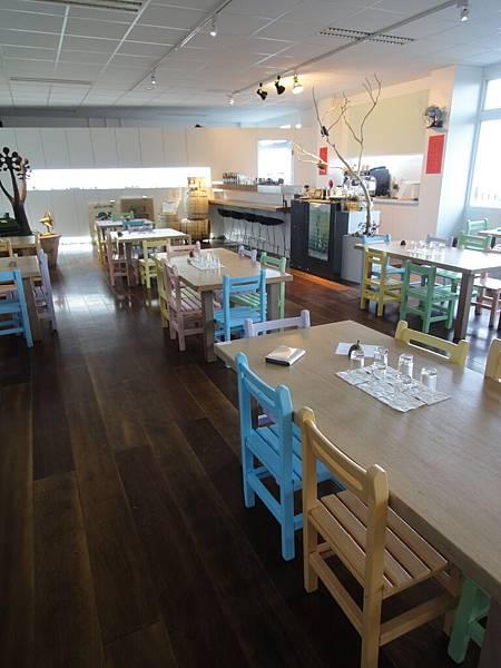 廢棄小學改裝ㄉ咖啡店