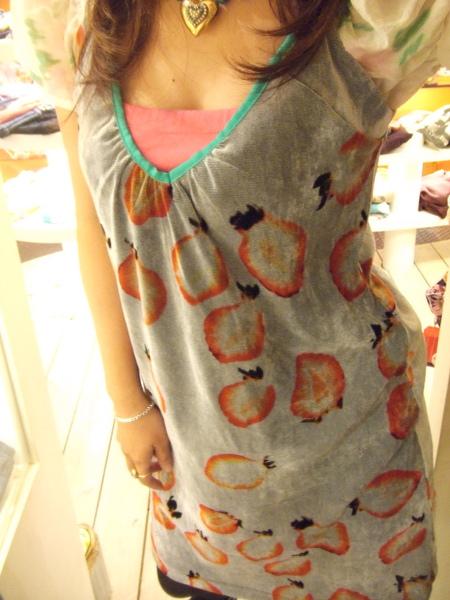 可愛草莓衣