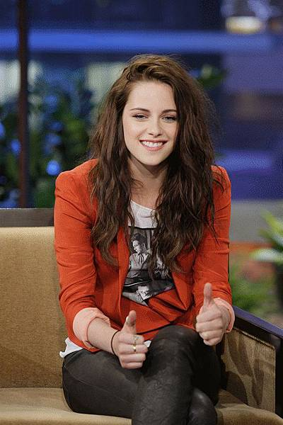 Kristen on Tonight Show-20120504 (3)