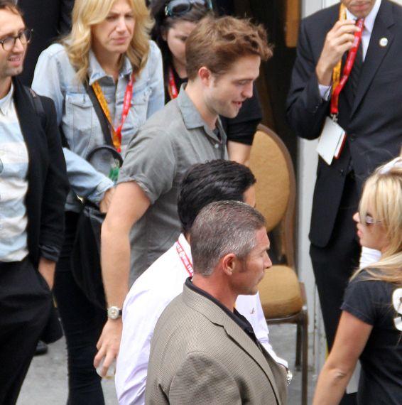 Rob抵達Comic Con - 20120712 (6)