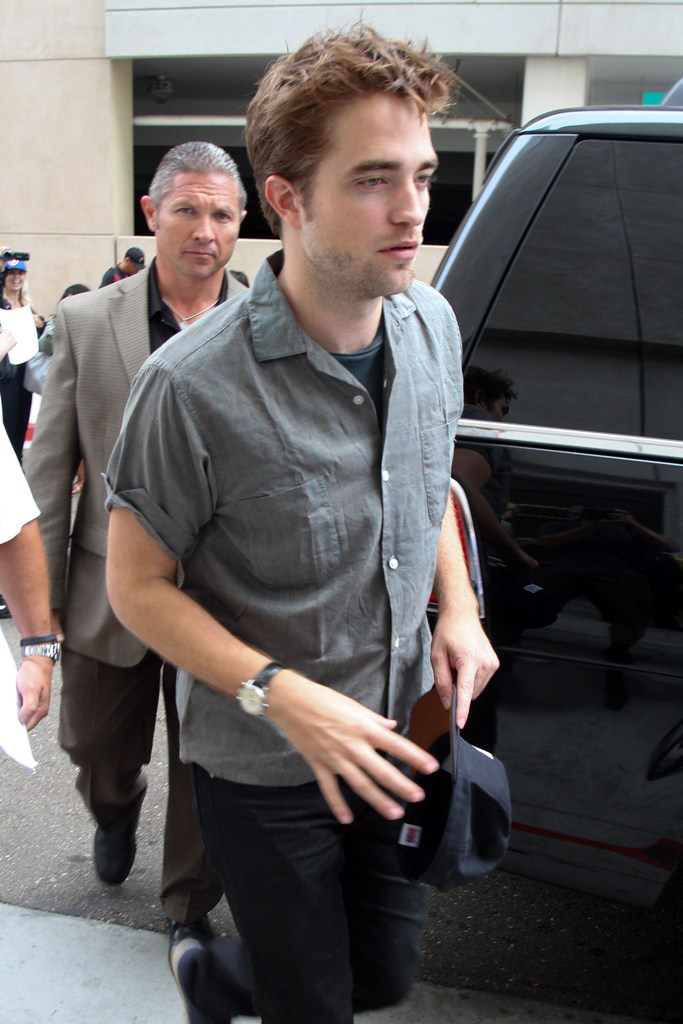 Rob抵達Comic Con - 20120712 (7)