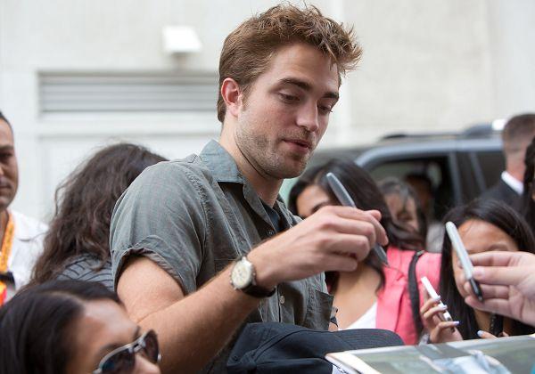 Rob抵達Comic Con - 20120712 (8)