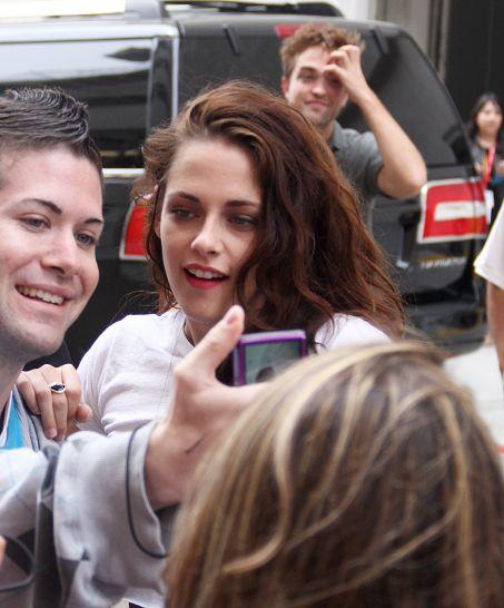 Kris 抵達Comic Con - 20120712 (8)