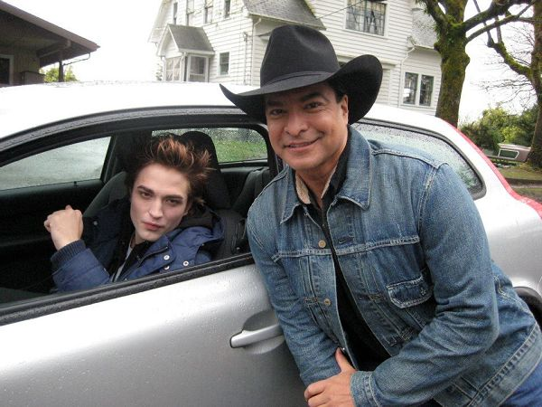 Gil Birmingahm和Robert在Twilight片場