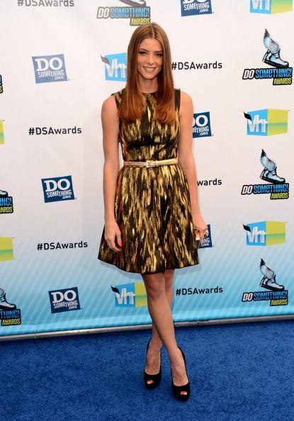 Ashley Green出席2012 Do Something Awards-20120819(3)