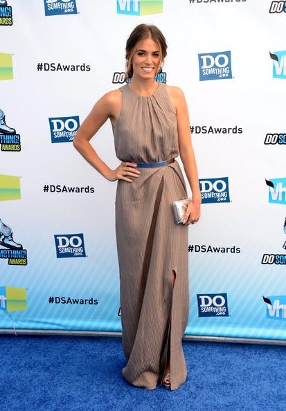Nikki Reed出席2012 Do Something Awards-20120819(3)