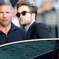 【Jimmy Kimmel Live】Robert Pattinson 抵達現場-20120822 (3)