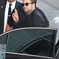 【Jimmy Kimmel Live】Robert Pattinson 抵達現場-20120822 (4)