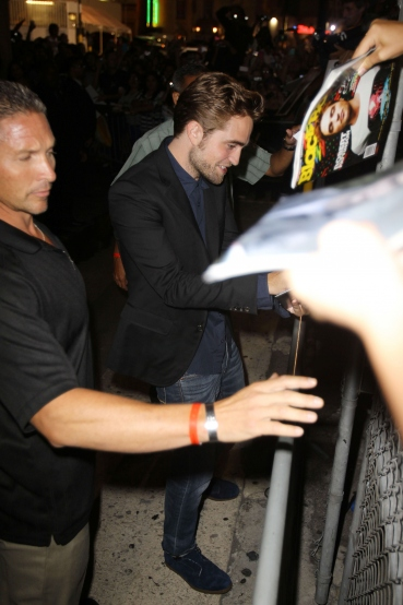 【Jimmy Kimmel Live】Robsten Pattinson 離開-20120822 (6)