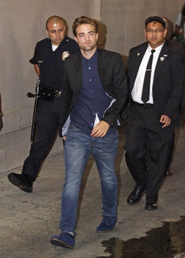 【Jimmy Kimmel Live】Robsten Pattinson 離開-20120822 (11)