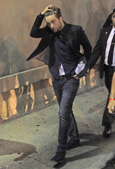 【Jimmy Kimmel Live】Robsten Pattinson 離開-20120822 (10)