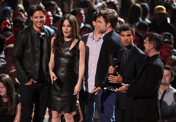 2012 MTV Video Music Awards -20120906 (1)